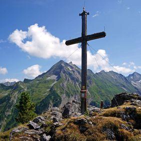 Wanderung zum Gipfelkreuz